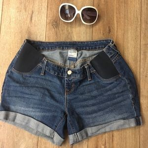 Old Navy MATERNITY Jean Shorts!